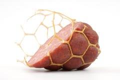 Piccola fetta modesta di salsiccia. Fotografia Stock Libera da Diritti