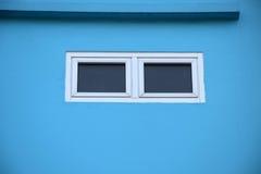 Piccola finestra per lo sguardo del qualcosa Fotografia Stock