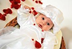 Piccola neonata immagini stock