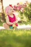 Piccola neonata sveglia Immagine Stock