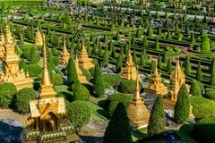 Piccola pagoda nel paesaggio del giardino fotografia stock