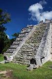 Piccola piramide Mayan antica Immagine Stock