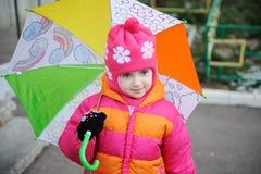 Piccola ragazza in cappello dentellare Fotografie Stock