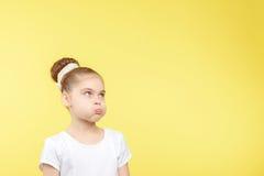 Piccola ragazza che mostra le emozioni differenti Fotografia Stock Libera da Diritti