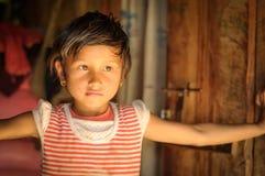 Piccola ragazza con gli orecchini nel Nepal Immagine Stock Libera da Diritti
