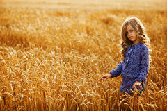 Piccola ragazza dorato-dai capelli Fotografia Stock Libera da Diritti