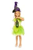 Piccola ragazza leggiadramente verde con la lanterna isolata Fotografie Stock Libere da Diritti