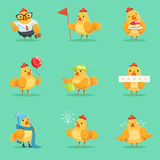 Piccola serie gialla di Chick Different Emotions And Situations del pollo di illustrazioni sveglie di Emoji illustrazione vettoriale