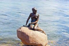 Piccola sirena a Copenhaghen Immagini Stock