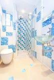 Piccola stanza da bagno Immagine Stock Libera da Diritti