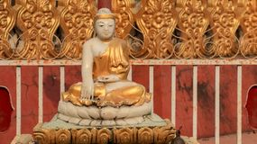 Piccola statua di Buddha fotografie stock