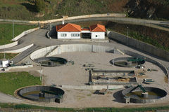 Piccola stazione di trattamento delle acque Immagine Stock