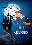 Piccola strega e un volo del gatto nero sul manico di scopa con il fondo del castello e della luna piena Fotografie Stock