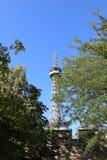 Piccola torre Eiffel a Praga in repubblica Ceca fotografie stock