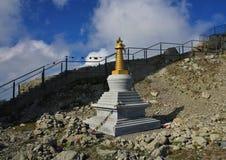 Piccole bandiere buddisti di preghiera e di stupa sul supporto Santis, alpe svizzera Immagini Stock Libere da Diritti