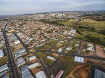 Piccole città nel Sudamerica, città di Botucatu nello stato di Sao Paulo, Brasile fotografia stock libera da diritti