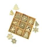 Piccole decorazioni di legno di Natale Isolato Inl di legno di Natale Fotografia Stock