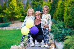 Piccole ragazze adorabili divertendosi con felice Fotografia Stock Libera da Diritti