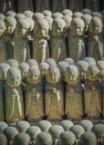 Piccole statue di Jizo al tempio di Hase-dera in kama Kura Fotografie Stock