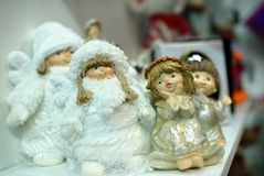Piccoli angeli ceramici del giocattolo dei ricordi Immagini Stock Libere da Diritti