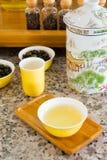 Piccoli barattoli di tè asciutto Immagine Stock