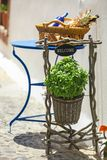 Piccoli dettagli greci svegli alle vie greche sopra Fotografia Stock