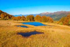 Piccoli laghi nelle montagne Fotografie Stock Libere da Diritti