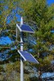 Piccoli pannelli solari per i segnali stradali Fotografia Stock