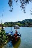 Piccoli pescherecci al paesino di pescatori Immagine Stock Libera da Diritti