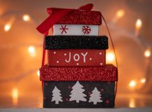 Piccoli regali di Natale inscatolati fotografia stock libera da diritti