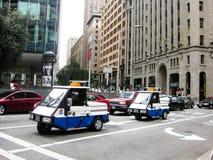 Piccoli volanti della polizia sulla via a San Francisco fotografie stock