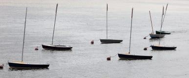 Piccoli yacht sul fiume Tamigi. Londra. Il Regno Unito Fotografie Stock Libere da Diritti