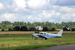 Piccolo aeroplano pronto a decollare Fotografie Stock