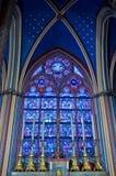 Piccolo altare con sei candele Immagini Stock