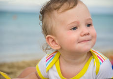 Piccolo bambino con il rossore sulla pelle fotografia stock libera da diritti
