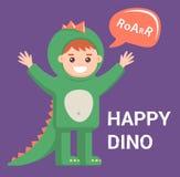 Piccolo bambino in costume del drago su fondo porpora ragazzo sveglio con l'immagine di un dinosauro illustrazione vettoriale