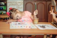Piccolo bambino, pittura di disegno. Fotografie Stock Libere da Diritti