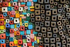 Piccolo blocco di stenditura ceramica del colorfull per il backgound immagini stock libere da diritti