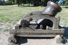 Piccolo cannone portatile antico in museo Fotografie Stock