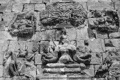 Piccolo complesso del tempio di Mendut, isola di Java, Indonesia fotografie stock