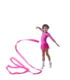 Piccolo dancing adorabile della ginnasta con il nastro fotografia stock