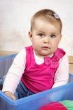 Piccolo fare da baby-sitter dolce nella scatola Fotografia Stock Libera da Diritti