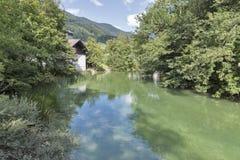 Piccolo fiume Seeache in alpi austriache Fotografie Stock
