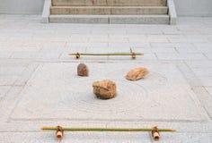 Piccolo giardino di roccia; Tempiale di Yougen-ji, Kyoto, Giappone Fotografia Stock