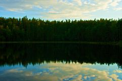 Piccolo lago immagine stock