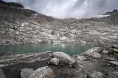 Piccolo lago della montagna del turchese Immagine Stock Libera da Diritti