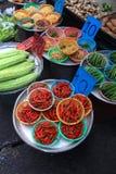 Piccolo mercato occupato Tailandia del centro Immagini Stock Libere da Diritti