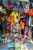 Piccolo negozio di ricordo sul tailandese fotografia stock libera da diritti