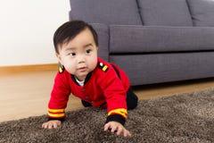 Piccolo neonato adorabile immagine stock