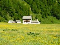Piccolo paesino di montagna del devero di Alpe, alpi di Lepontine, estate Mo Fotografie Stock Libere da Diritti